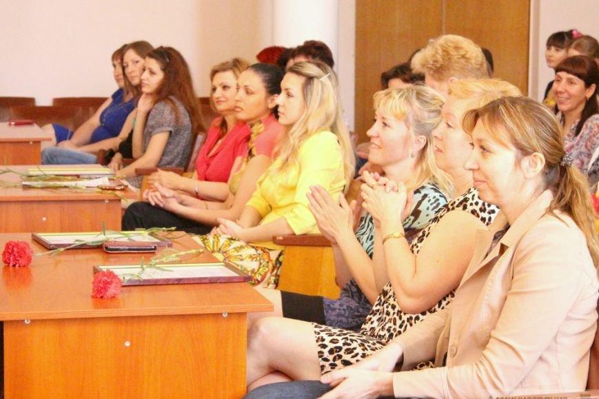 Более 100 тысяч симферопольцев нуждаются в помощи социальных служб, - Бахарев (фото) - фото 6