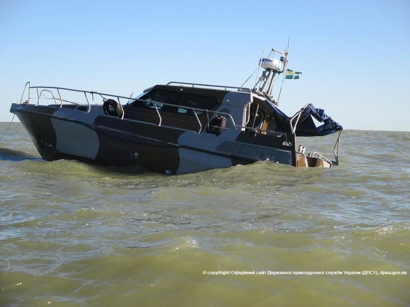 В Одессу доставили пострадавших при взрыве катера в Мариуполе военных (ФОТО) (фото) - фото 2