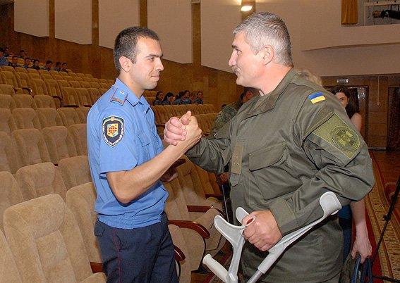 Порошенко наградил трёх участников АТО из Полтавской области (фото) - фото 1