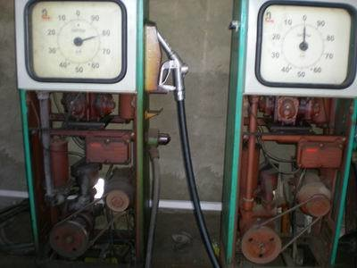В Кременчуге «прикрыли» нелегальную заправку: ДТ там разливали при помощи советского оборудования (ФОТО) (фото) - фото 1