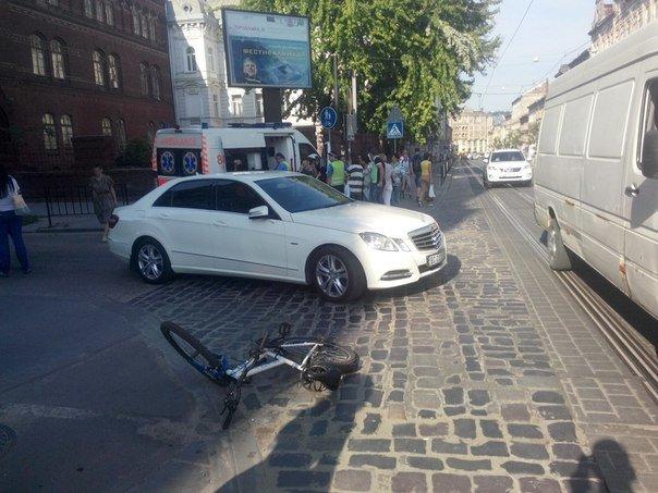 У Львові водій легковика скоїв наїзд на 15-річну велосипедистку (ФОТО), фото-1