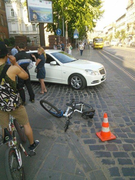 У Львові водій легковика скоїв наїзд на 15-річну велосипедистку (ФОТО), фото-2