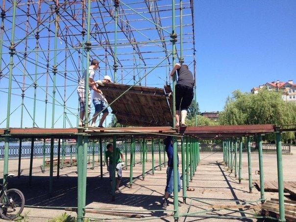 """В рамках проекту """"АртЕфект"""", на міському озері розпочалась реконструкція сцени (ФОТО) (фото) - фото 4"""