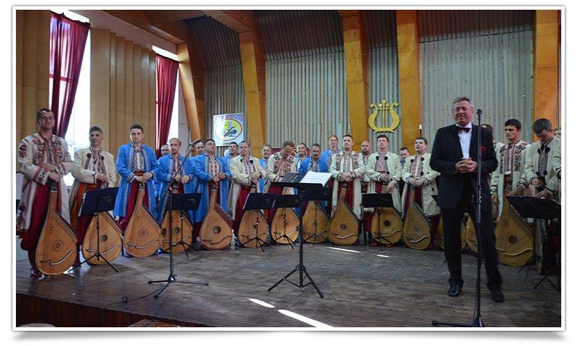 В Славянске выступила Национальная Заслуженная Капелла Бандуристов Украины (видео) (фото) - фото 2
