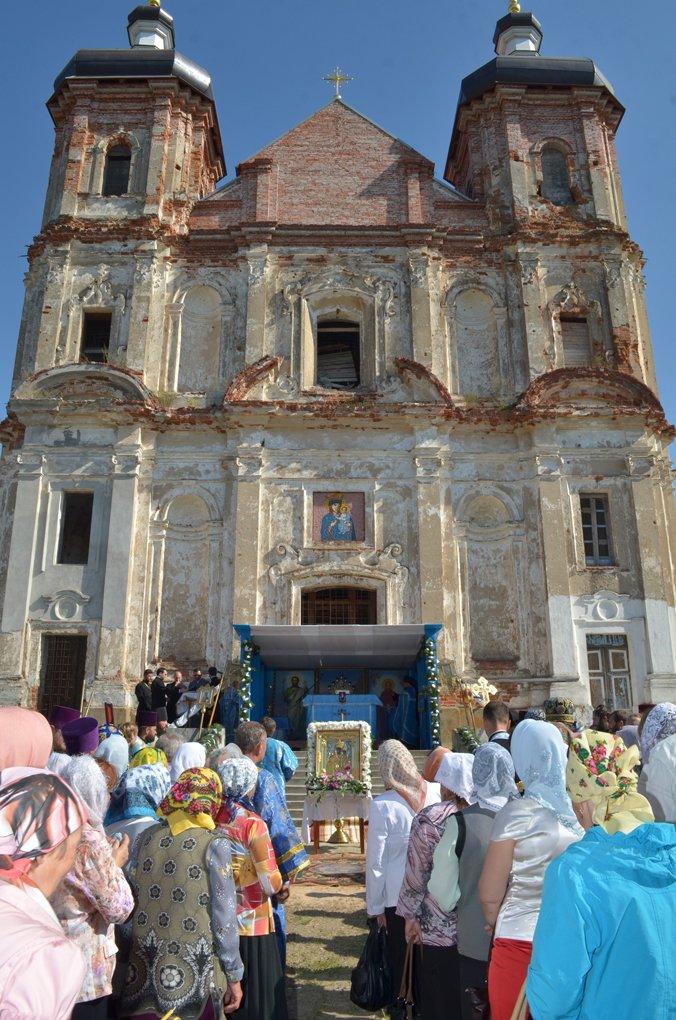 Святой источник в деревне Пеница Гомельской области помогает девушкам выйти замуж и лечит от недугов (фото) - фото 2