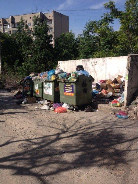 Власти Симферополя не могут определиться, где в городе ставить мусорные баки (ФОТО) (фото) - фото 4