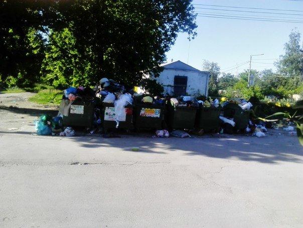 Власти Симферополя не могут определиться, где в городе ставить мусорные баки (ФОТО) (фото) - фото 2