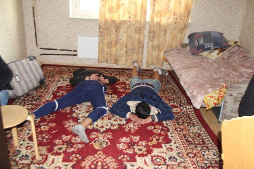 Полицейские ТиНАО провели операцию «Мак», фото-1