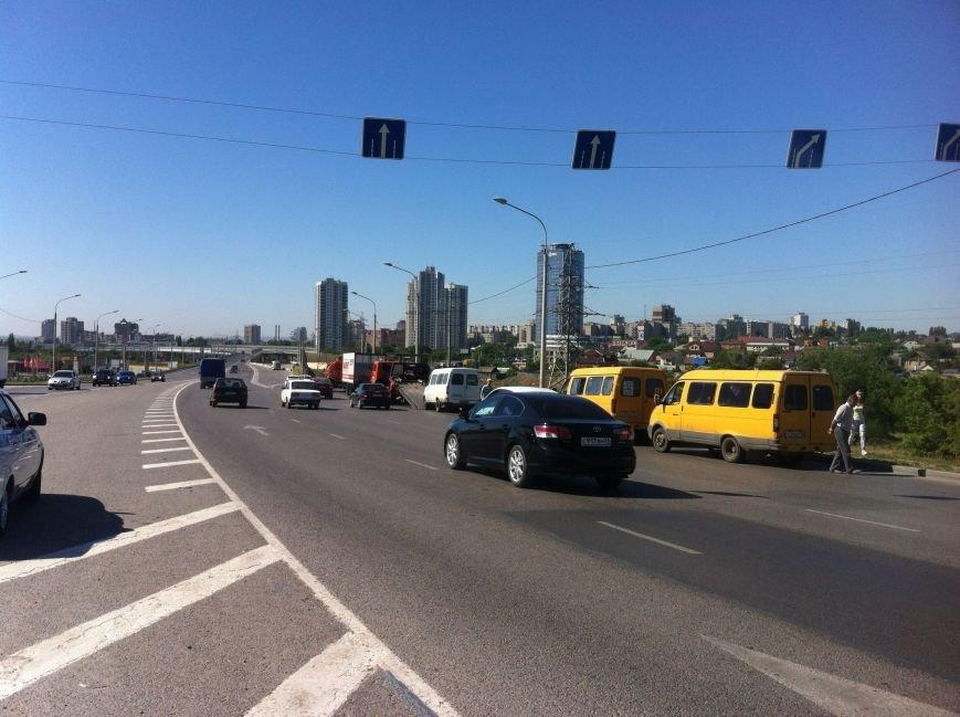 В Волгограде маршрутчик оказал сопротивление сотрудникам ДПС (фото) - фото 9
