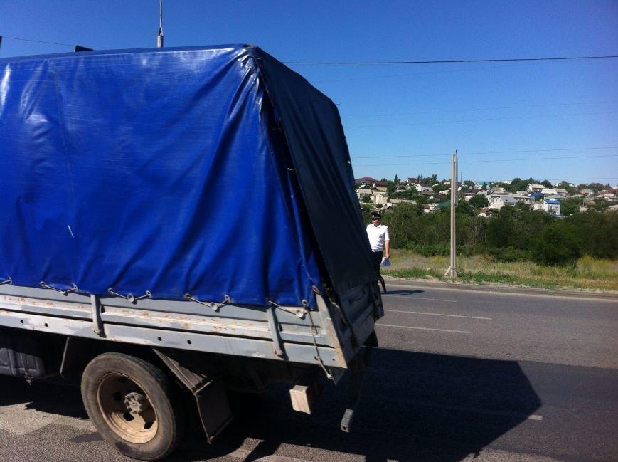 В Волгограде маршрутчик оказал сопротивление сотрудникам ДПС (фото) - фото 4