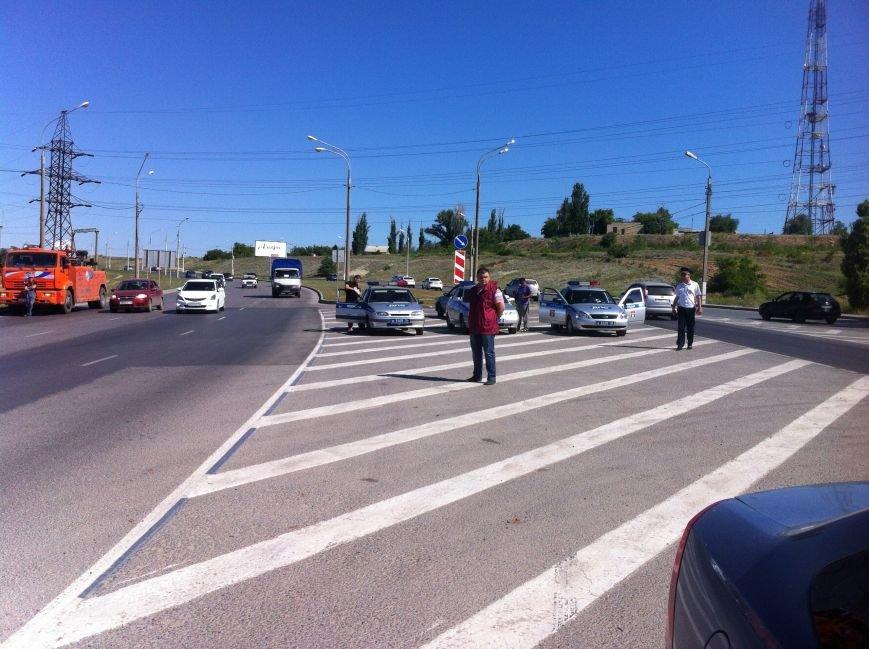 В Волгограде маршрутчик оказал сопротивление сотрудникам ДПС (фото) - фото 7