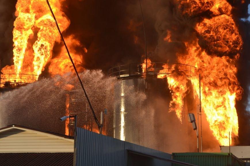 Під час пожежі на нафтобазі в Київській області загинув львів'янин (ФОТО), фото-3