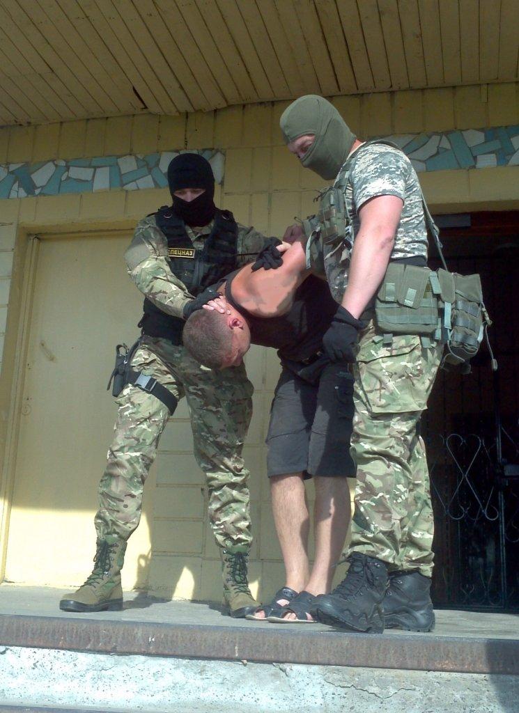 Наркотики в колонию в Черниговской области доставляли без проблем, фото-1
