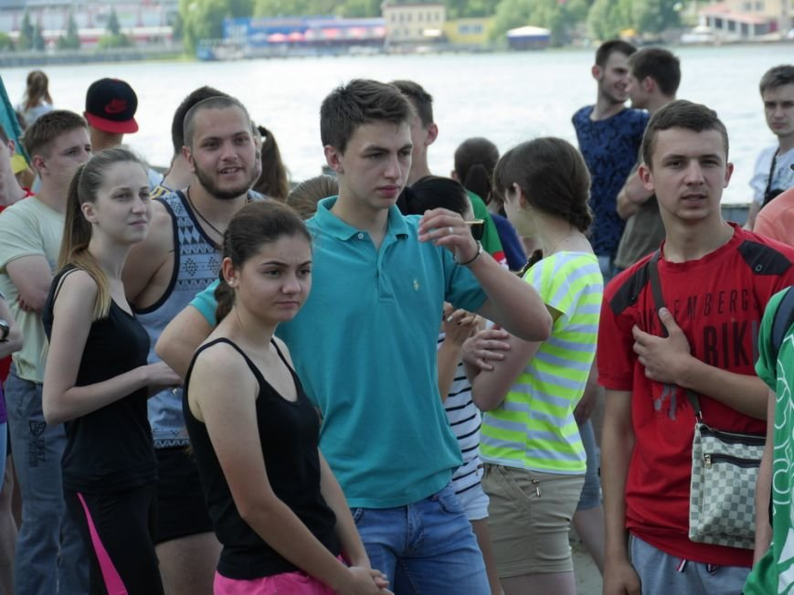 У центрі Тернополя майже дві тисячі студентів разом з викладачами влаштували масштабний пробіг (фото) (фото) - фото 1