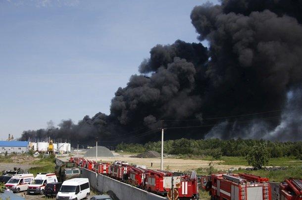 Крупнейший за последние 50 лет пожар в Украине: трое суток горит нефтебаза под Киевом (фото) - фото 1