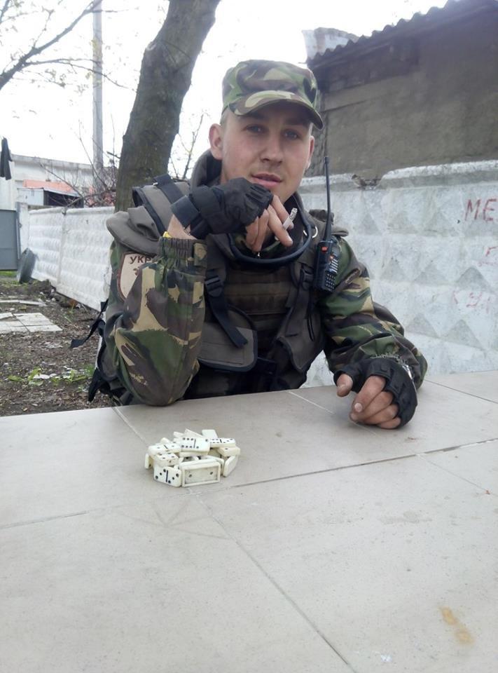 На востоке подорвалась на мине машина с саперами из одесской мехбригады (фото) - фото 1