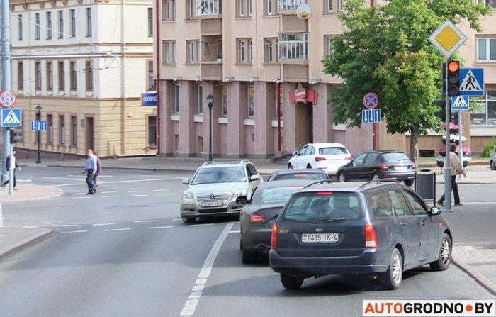 Фоторепортаж: водителей Гродно проверяли насколько быстро они уступают дорогу пожарным машинам (фото) - фото 6