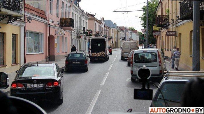Фоторепортаж: водителей Гродно проверяли насколько быстро они уступают дорогу пожарным машинам (фото) - фото 2