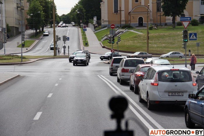 Фоторепортаж: водителей Гродно проверяли насколько быстро они уступают дорогу пожарным машинам (фото) - фото 1