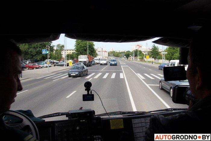 Фоторепортаж: водителей Гродно проверяли насколько быстро они уступают дорогу пожарным машинам (фото) - фото 13