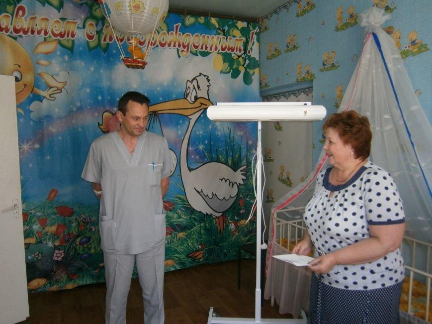 От сердца к сердцу: Димитровские школьники сделали подарок роддому и новорожденным (фото) - фото 2