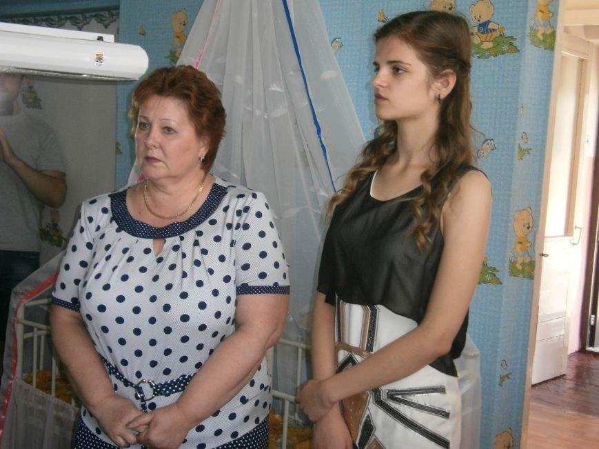 От сердца к сердцу: Димитровские школьники сделали подарок роддому и новорожденным (фото) - фото 6