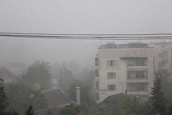 Симферополь третий день заливает дождями (ФОТО, ВИДЕО) (фото) - фото 2