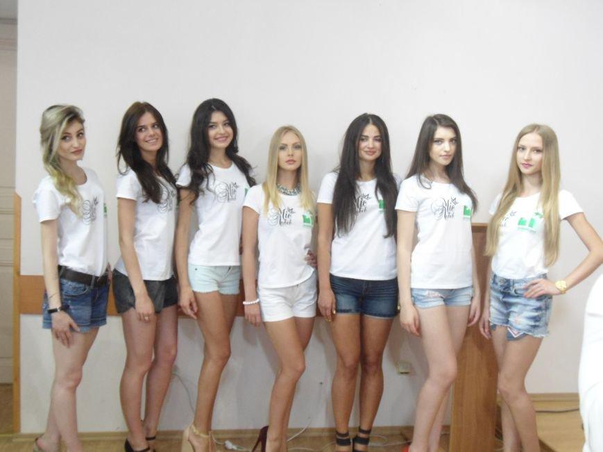 Хто у світі всіх гарніше: днями Львів дізнається ім'я найкрасивішої дівчини нашого міста (фото) - фото 1