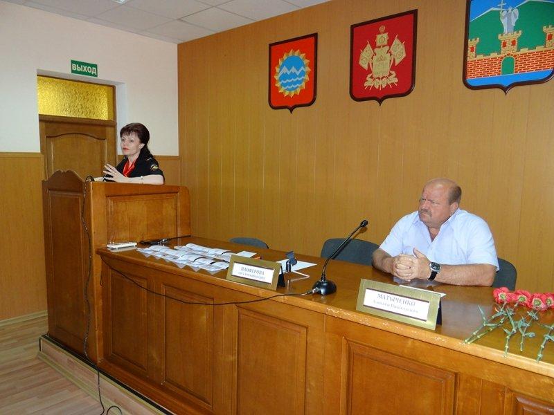 В Лабинске состоялось торжественное вручение паспортов (фото) - фото 1