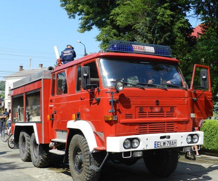 Сторожинецький рятувальникам поляки подарували пожежний автомобіль (фото) - фото 1