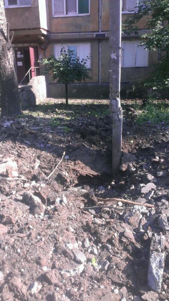 Донецк пережил страшный обстрел - погибли два мирных жителя (ФОТО) (фото) - фото 2