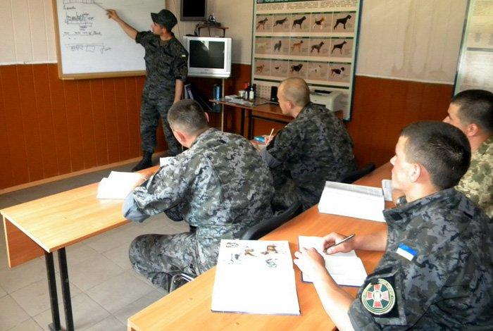 В криворожской  бригаде Нацгвардии прошли переподготовку  кинологи  (ФОТО), фото-1