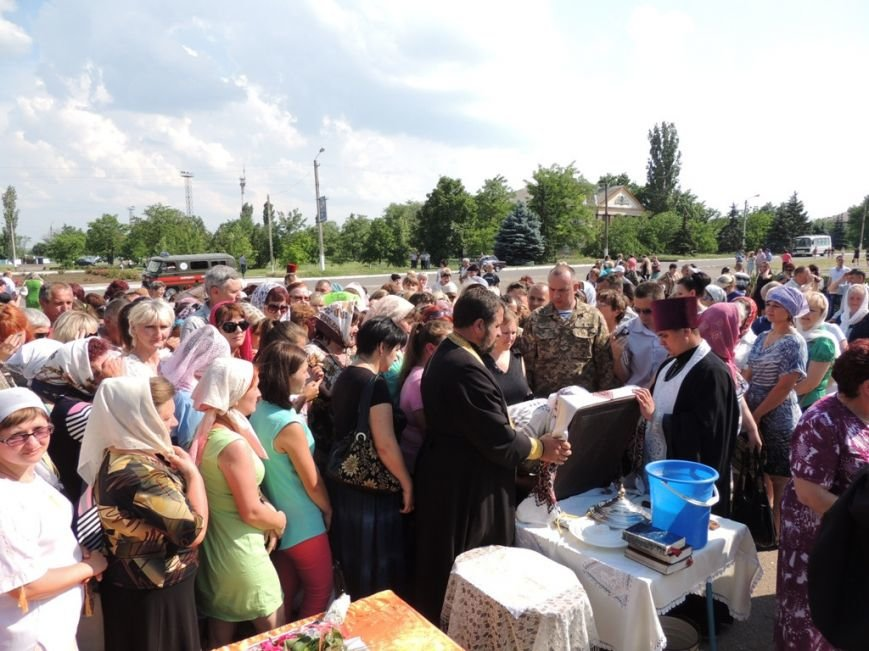 Николаевские священники прилетели в Снигиревку, чтобы помолиться за мир в стране (ФОТО) (фото) - фото 4
