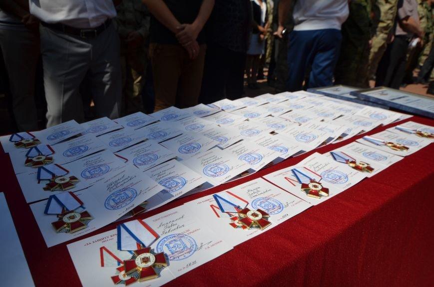 В День России в Симферополе ополченцев наградили за возвращение и защиту Крыма (ФОТО), фото-8