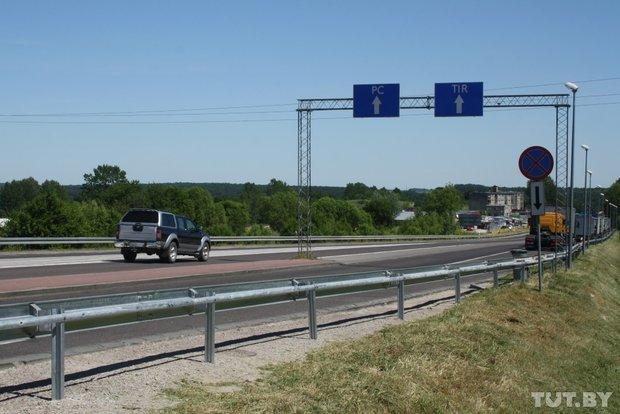 Репортаж с польско-белорусской границы: узкая дорога, 4,5 часа ожидания и «стукачество» поляков на белорусов (фото) - фото 2
