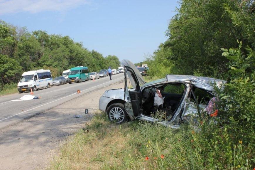 Подробности смертельной аварии в Запорожской области: водитель фуры в коме (ФОТО), фото-2