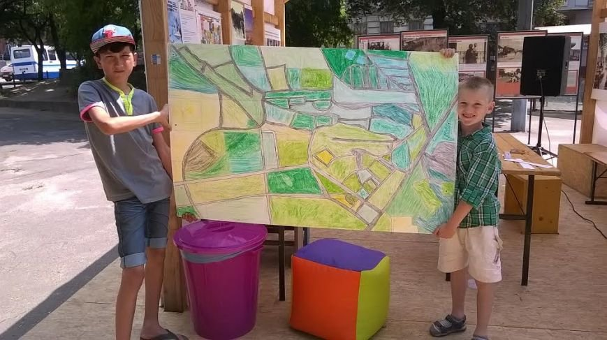 Наймолодші львів'яни зі Збоїщ створюють макет свого району (ФОТОРЕПОРТАЖ) (фото) - фото 2