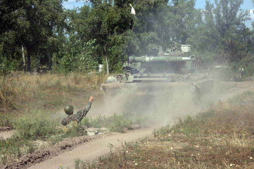 Около семидесяти харьковских солдат прошли обкатку танком (ФОТО) (фото) - фото 1