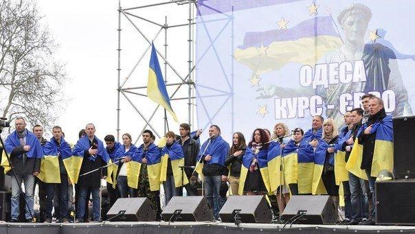 Общественница Виктория Сибирь – человек, меняющий Одессу:  «бандеровка»,  «хунта», «карательница» с Дерибасовской (фото) - фото 12