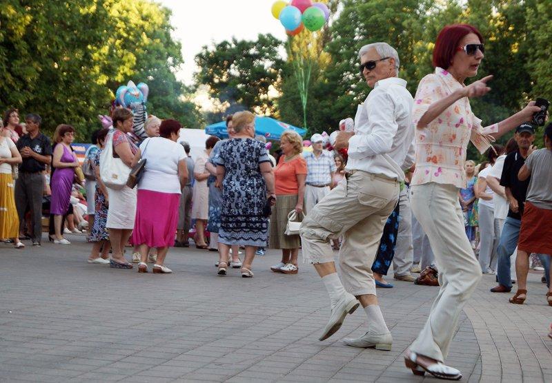 Белгородцы отметили День России в парках (фото) - фото 1