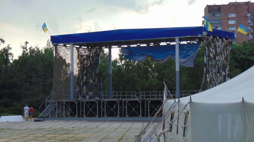 В Мариуполе облагораживают место бесконечной молитвы (ФОТОФАКТ) (фото) - фото 1