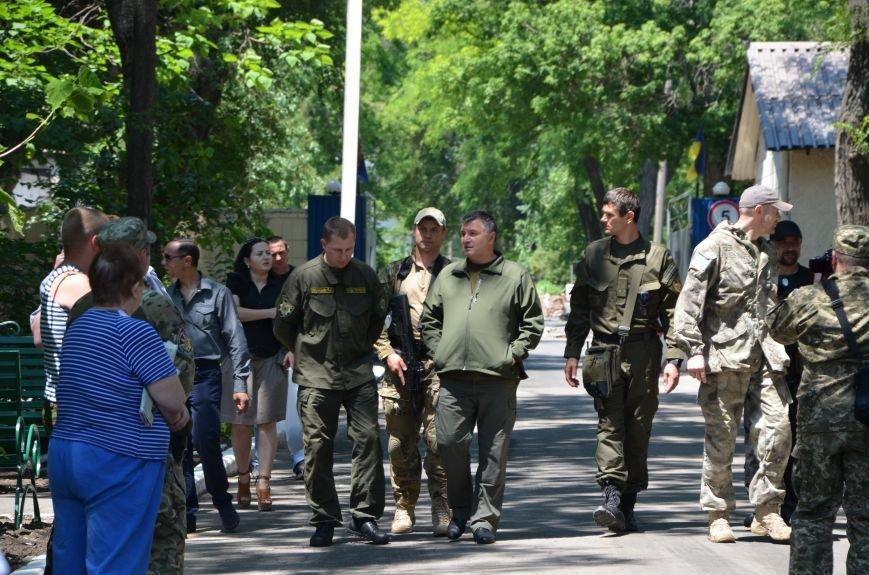 В Мариуполе открыли памятник героям, защитившим воинскую часть №3057 весной 2014-го (ФОТО), фото-21