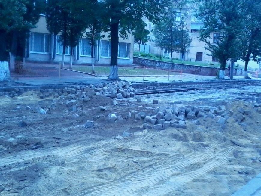 Ні пройти ні проїхати: як у Львові ремонтують дорогу на вулиці Б.Хмельницького (ФОТО), фото-1
