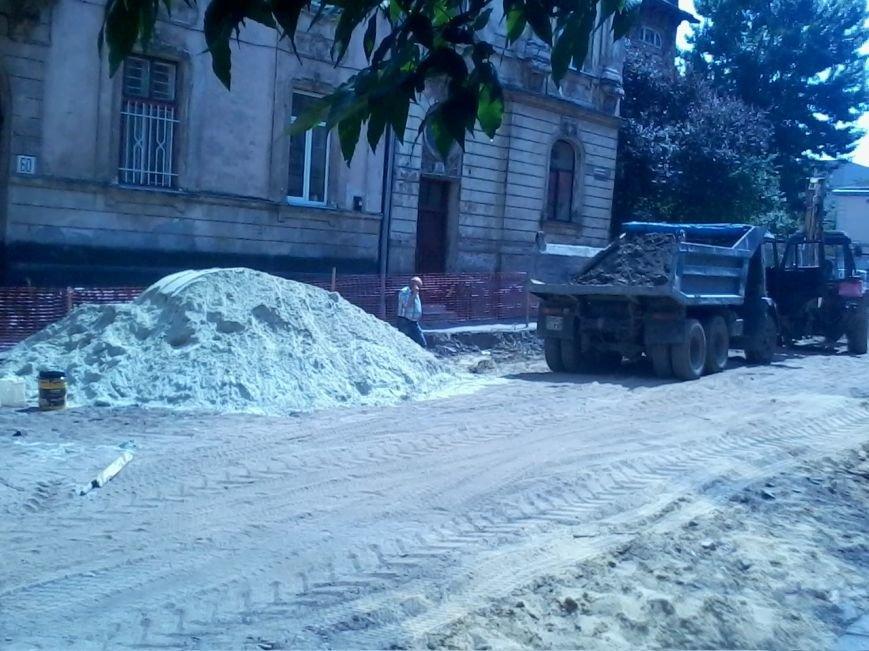 Ні пройти ні проїхати: як у Львові ремонтують дорогу на вулиці Б.Хмельницького (ФОТО), фото-6