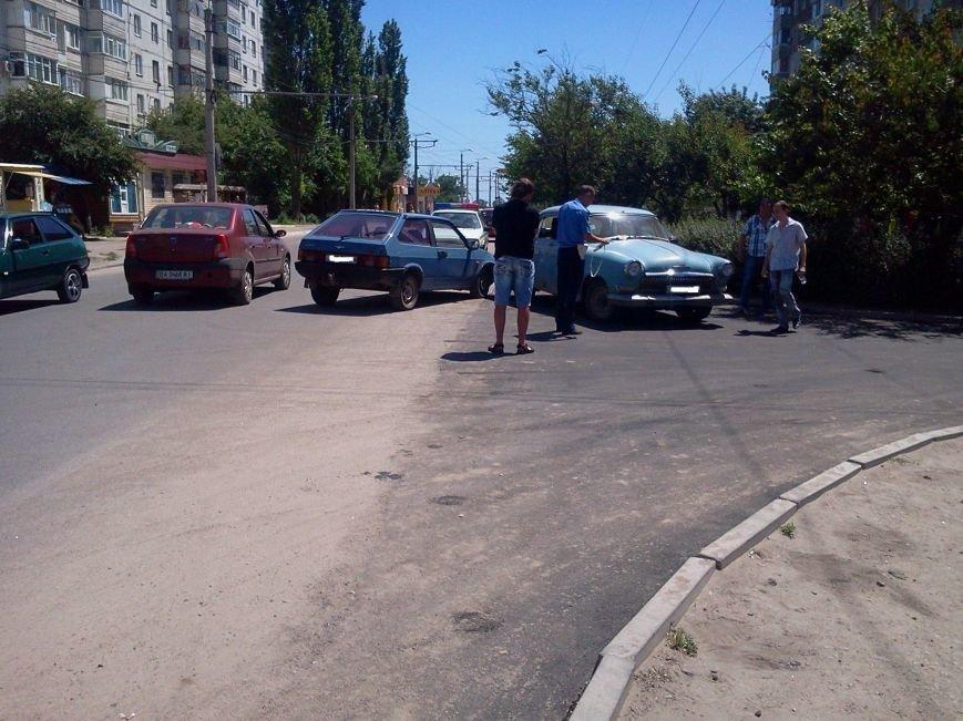 В Кировограде не разминулись две машины. ФОТО (фото) - фото 1
