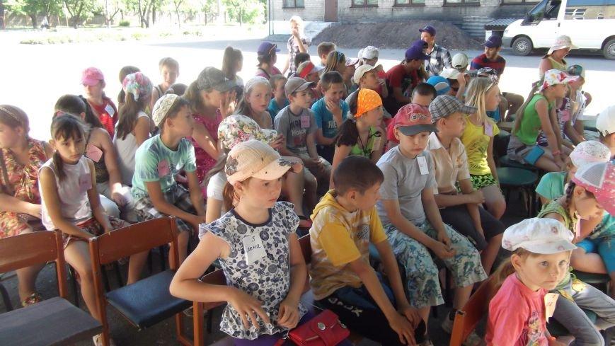 «Нести добро – значит, нести мир»: церкви Красноармейска организовали детский христианский лагерь (фото) - фото 2
