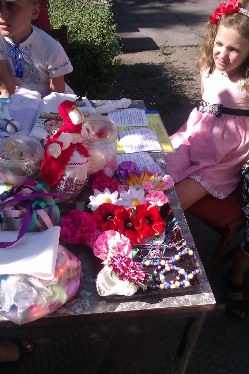 В парке Днепродзержинска прошел мастер-класс по изготовлению оберегов (фото) - фото 3