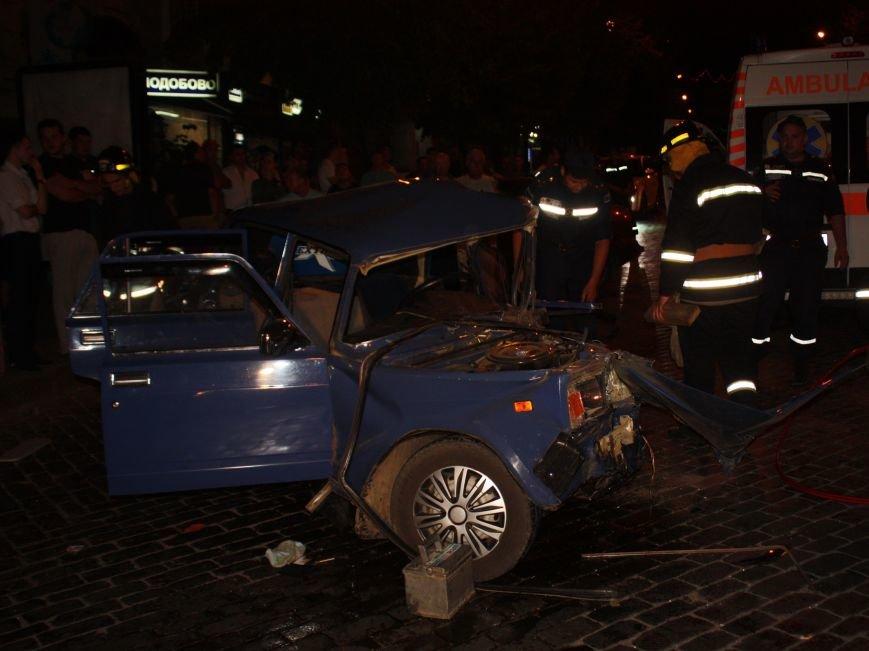 В Кировограде произошло ДТП - легковушка уничтожилась об маршрутку, пострадали люди. ФОТО (фото) - фото 1