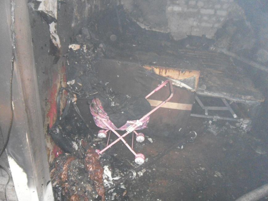 В Днепродзержинске из горящей квартиры спасли двух человек, фото-11