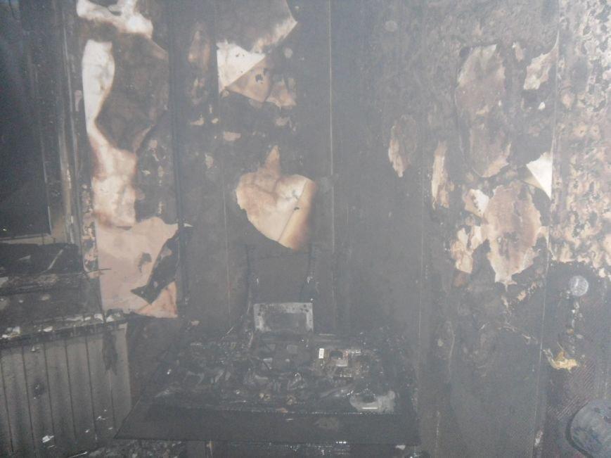 В Днепродзержинске из горящей квартиры спасли двух человек, фото-7
